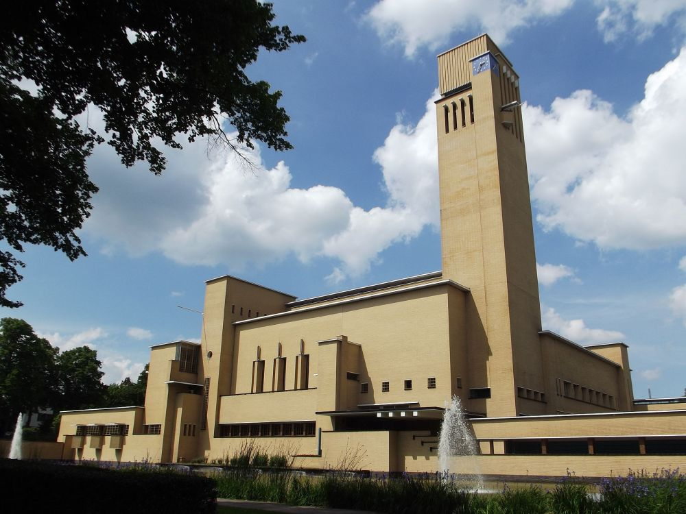 Frank Lloyd wright Dudok hilversum modernism Norwich