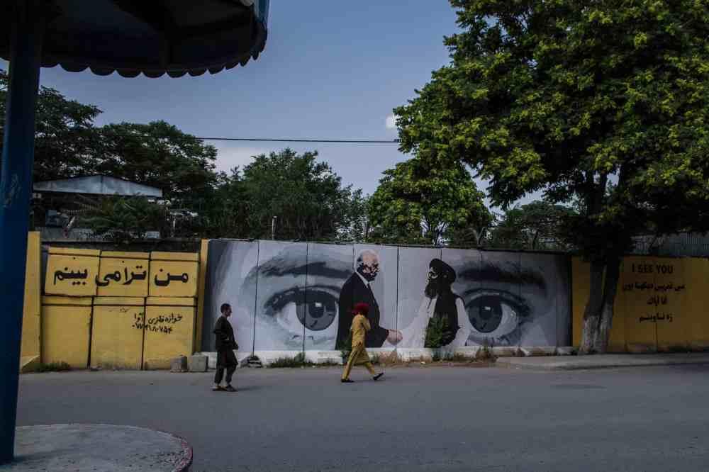 Afghanistan, Kabul, Artlords, blastwalls.
