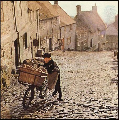 Film still from Hovis Tv Commercial, The Boy on the Bike, Ridley Scott, 1973 Shaftesbury, Dorset, Gold Hill